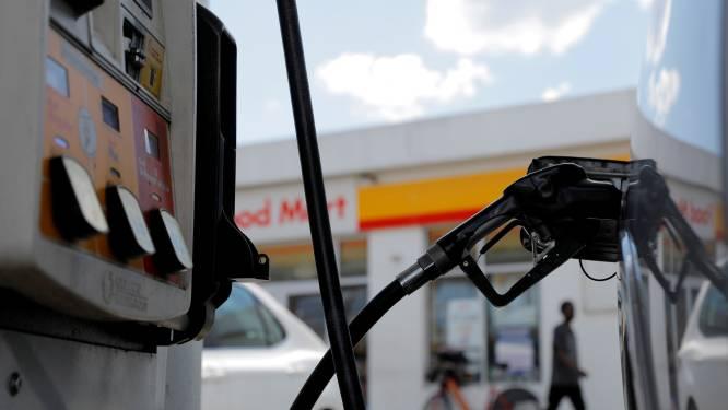 Un Néerlandais vole une carte de carburant et régale plusieurs personnes avant d'être attrapé par la police