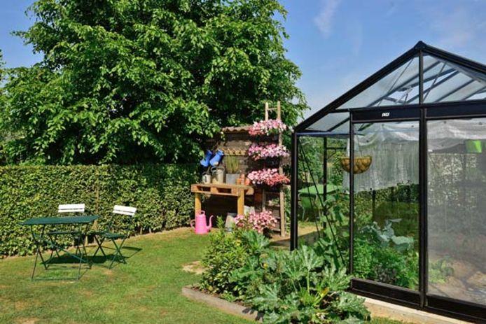 De tuin van Wim Minnaert en Katrien Annaert langs Leedshouwken in Lede.