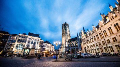 Nieuwe sfeerverlichting Sint-Romboutstoren wordt getest