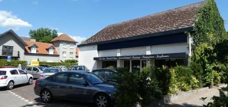Jumbo Den Dungen kan parkeerplaatsen uitbreiden: pand van Meysen Slaapcomfort tegen de vlakte