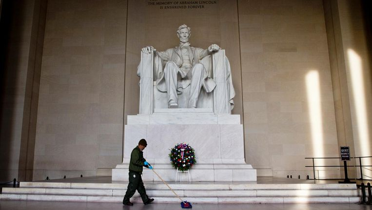 Het standbeeld van Abraham Lincoln in Wahington DC, 2016. Beeld null