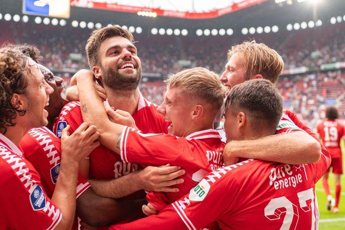 Robin Pröpper heeft de 1-0 gemaakt namens FC Twente tegen FC Utrecht.