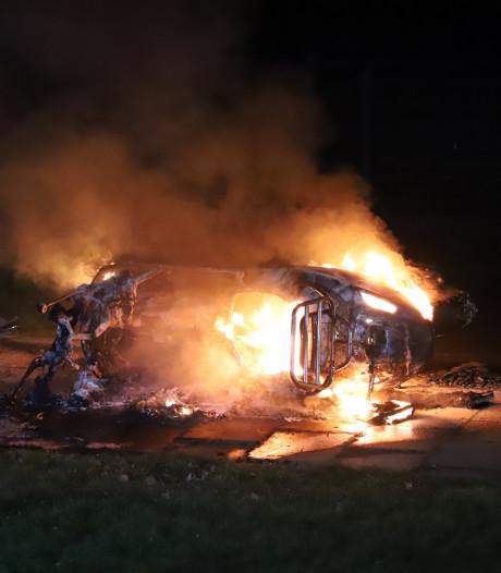 Scooter brandt uit in Nijmegen, twee jongens aangehouden