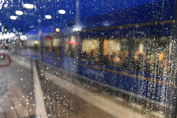 Een Arriva-trein op station Cuijk.