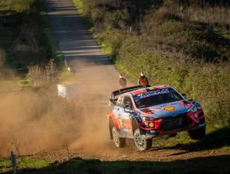 """Neuville schuift in Rally van Sardinië ondanks lekke band op naar tweede plaats: """"We zullen blijven aanvallen"""""""