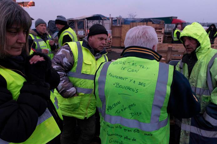 Franse 'gele hesjes' organiseren wegblokkades. Opnieuw iemand om het leven gekomen bij zo'n demonstratie.