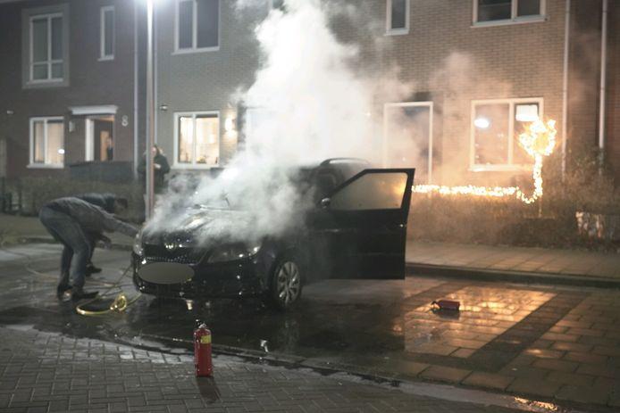 Bewoners aan de Van Roijenstraat wisten het vuur te doven