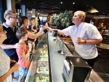 'IJs is een feestje' bij bakker Nijkamp in Holten