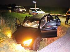 Vier gewonden door ongeluk in Ingen: auto rijdt met hoge snelheid greppel in