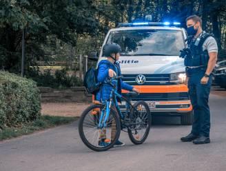 """Nultolerantie voor gebrekkige fietsverlichting in Oostende: """"Meteen boete. Jongeren onder de 16 moeten verplicht op verkeersles"""""""