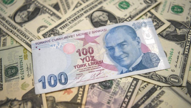 Beleggers maken zich zorgen dat de Turkse crisis overslaat naar de Europese financiële markten en bankensector. Beeld anp