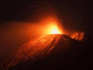 IN BEELD. Etna barst opnieuw spectaculair uit op Sicilië
