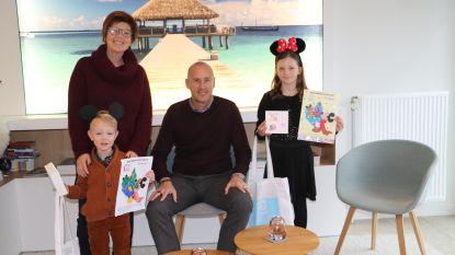 Tekenaars Wies en Louise winnen ticket voor Disneyland
