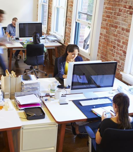 Als werken op kantoor onwennig aanvoelt: 'Kan maand duren voor je je hebt aangepast'
