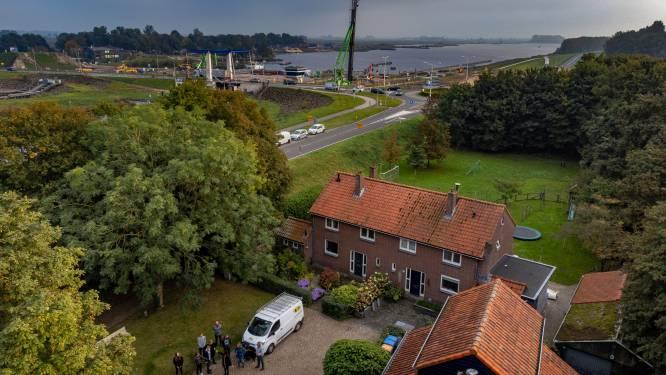 Nieuwe brug tussen Dronten en Kampen is zegen voor het verkeer, maar omwonenden balen: 'Moe van het vechten'