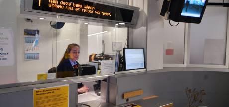 Twents treinenknooppunt zonder personeel: Hengelo wil de servicebalie op station behouden
