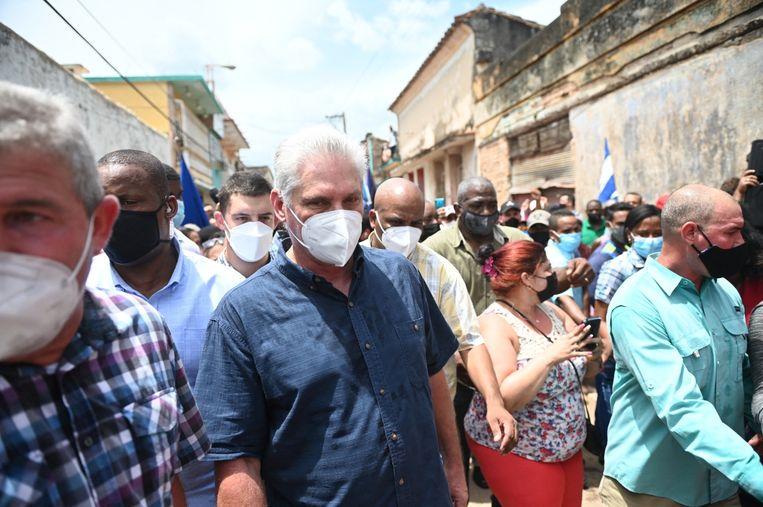 De Cubaanse president Miguel Diaz-Canel tijdens de demonstratie in San Antonio de los Banos. Beeld AFP