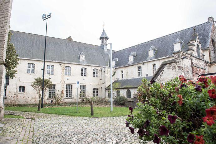 Het verlaten klooster is een beschermd monument.