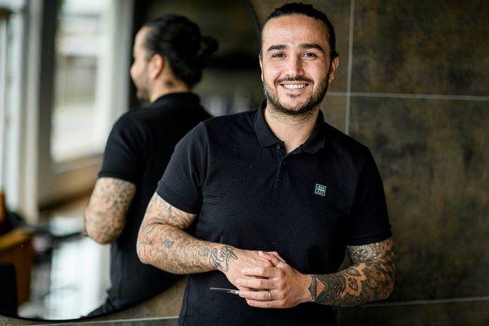 De vader van Reinas Haidari vluchtte van Irak naar Nederland om zijn kinderen een kans te geven op een beter leven. Die pakte Reinas met beide handen aan: als artist of hair.