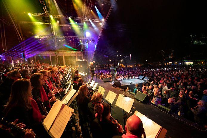 Geen Royal Music Night in Deurne (foto uit 2019), wel Deurne Streamt Oranje.