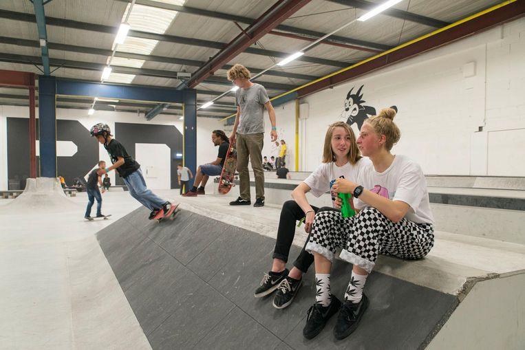 Doorgewinterde skaters zullen de klassieke skatespots in de hal van Noord vast herkennen. Beeld Charlotte Odijk