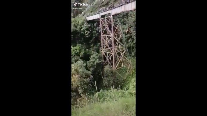 Tragique accident de saut en élastique en Colombie.