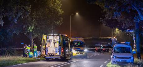 Fietser (19) overleden na aanrijding met auto in Alphen