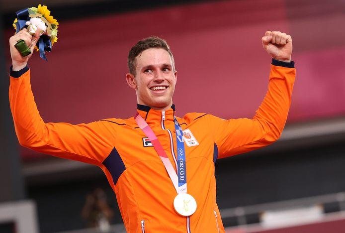 Harrie Lavreysen uit Luyksgestel met een van zijn twee gouden plakken. Ook pakte hij nog een bronzen medaille.