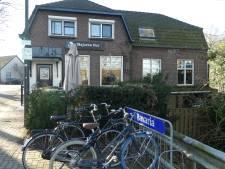 Cafés Den Dungen dicht met carnaval