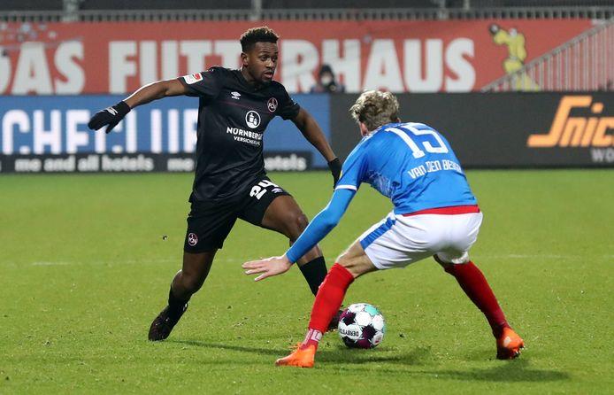 Virgil Misidjan (links) maakt de overstap naar PEC Zwolle.
