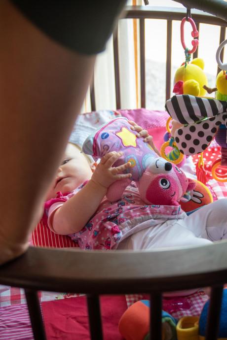 Echtpaar uit Bemmel houdt baby thuis uit angst voor besmetting met de mazelen