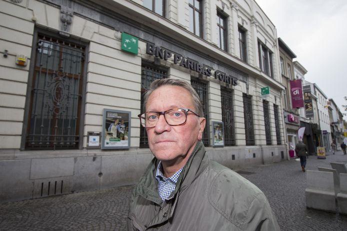 Werner De Brauw werd aan het filiaal van BNP Paribas Fortis slachtoffer van een diefstal met list.