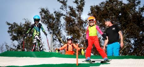 Skiën met 31,5 graden: bij Skipiste Nieuwegein gaan de lessen óók bij tropische temperaturen gewoon door
