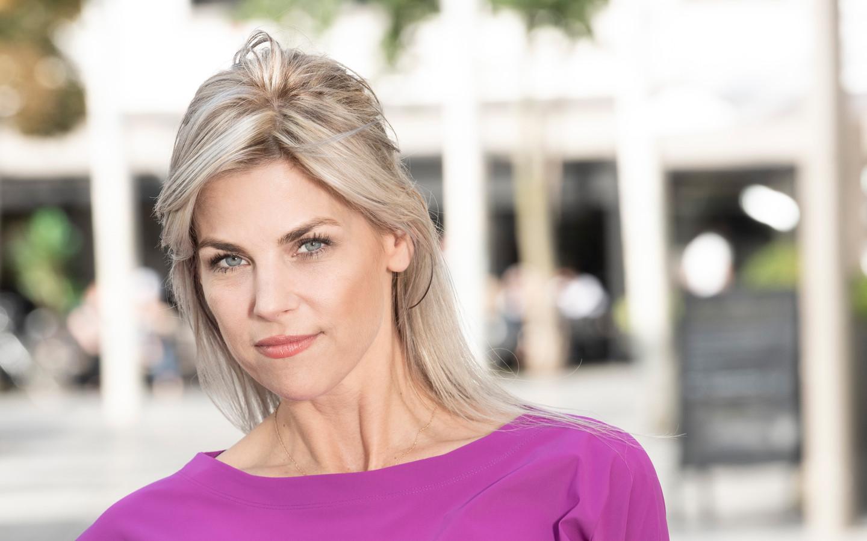 Tanja Dexters (44)