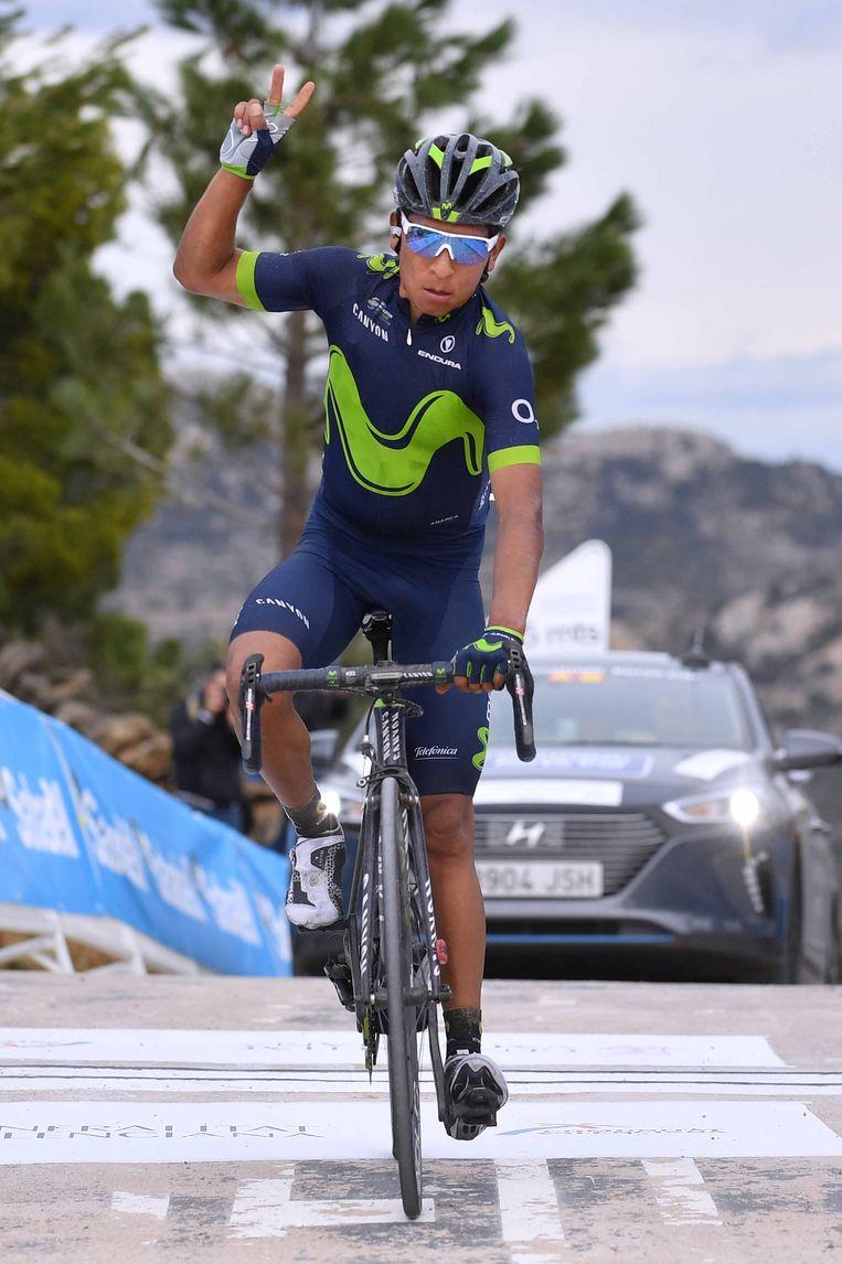 De jarige Quintana besloot niet te lang te wachten en versnelde op zo'n 4 km van het eind. Beeld TDW