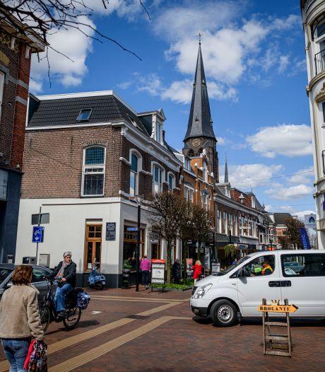 Veel kritiek op auto's in Grotestraat Almelo, maar gemeente wil toch door
