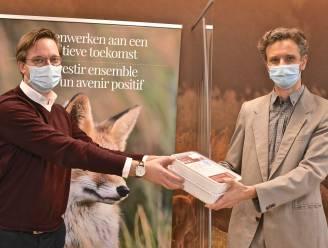 Jagersliga schenkt 18.000 wildhamburgers aan Voedselbanken