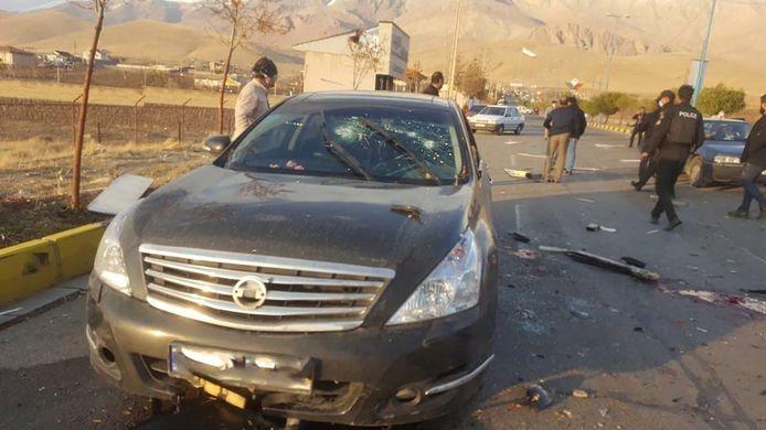 Mohsen Fakhrizadeh zat achter het stuur van zijn Nissan toen hij onder vuur werd genomen.