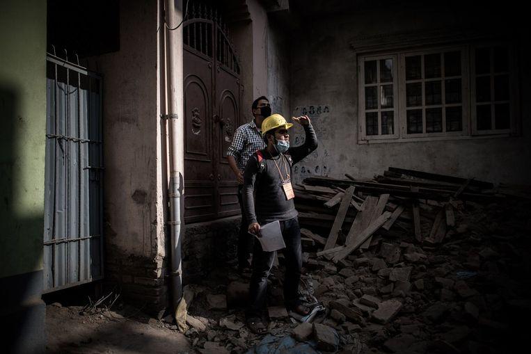 Reddingswerkers in Kathmandu. Beeld afp