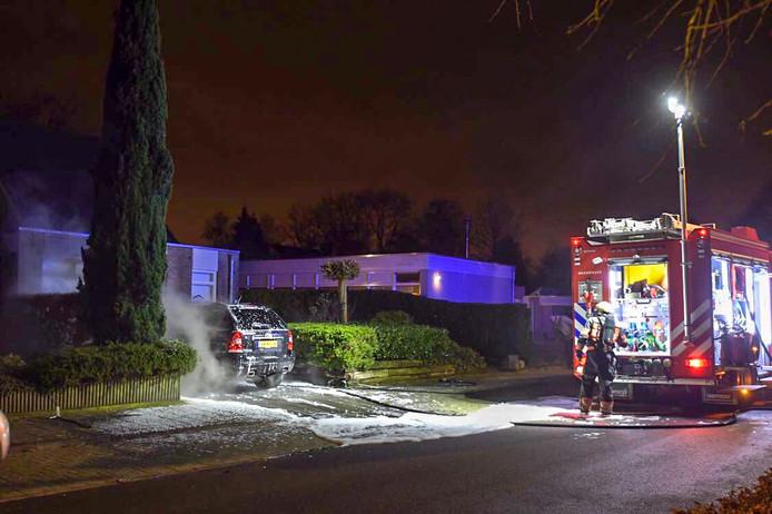 Autobrand aan Wederikdreef in Nuenen.