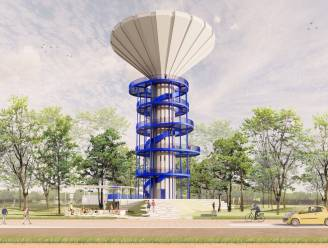 """POLL - Niet iedereen tevreden met de blauwe trap om van de watertoren een uitkijkpunt te maken. """"Dit lijkt wel op een kurkentrekker"""""""