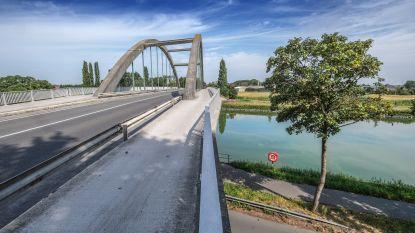 Werken aan Zwaantjesbrug worden uitgevoerd op zelfde moment als werken aan rotonde Fabiolalaan