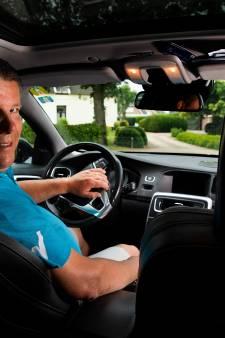 Rob Mos uit Loil rijdt tijdens EK 'heel discreet' UEFA-bobo's rond: 'Met als bonus gratis naar de wedstrijd'