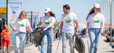 Afvalhosts aan de slag op drukke stranddagen Scheveningen: 'Niemand wil tussen vuilnis liggen'