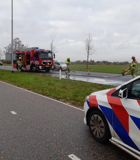 Drie auto's zwaar beschadigd door botsing in Beek