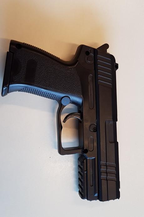 Osse wijkagenten bezorgd over speelgoedpistolen van de kermis