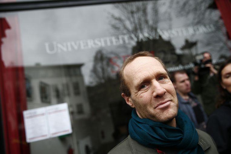 Yasha Lange, woordvoerder College van Bestuur UvA, tijdens de ontruiming van het Maagdenhuis door de ME. Studenten hielden dit pand van de Universiteit van Amsterdam (UvA) bezet, uit protest tegen het bestuur van de universiteit. Beeld anp