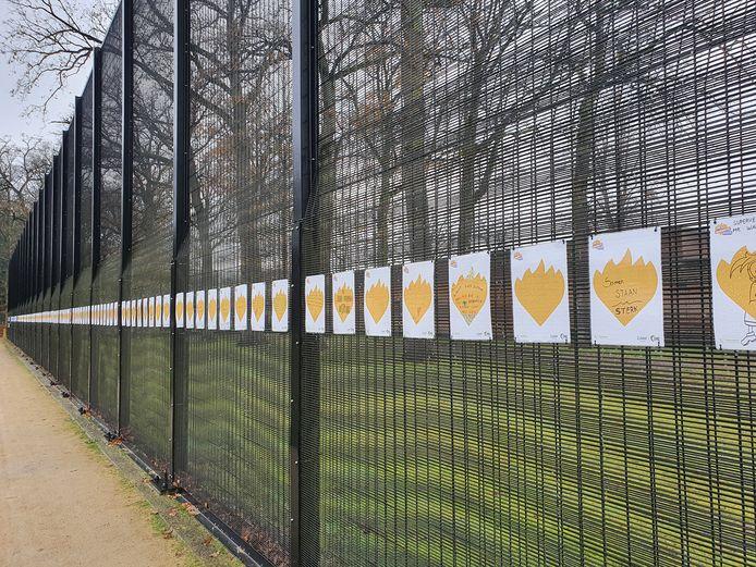 De gevangenis van Merksplas heeft nu een Wall of Lights in plaats van een Wall of Respect.