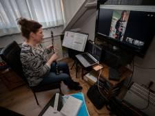 Giebelen tijdens de online muziekles