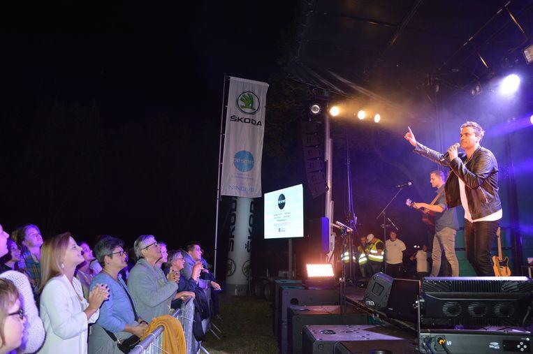 Wim Soutaer met Bram & Lennert op de parkconcerten in Ninove.